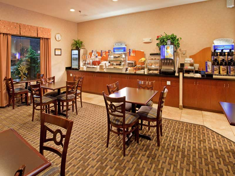 Holiday Inn Express Liberty Kansas City MO Budget Affordable Lodging IHG