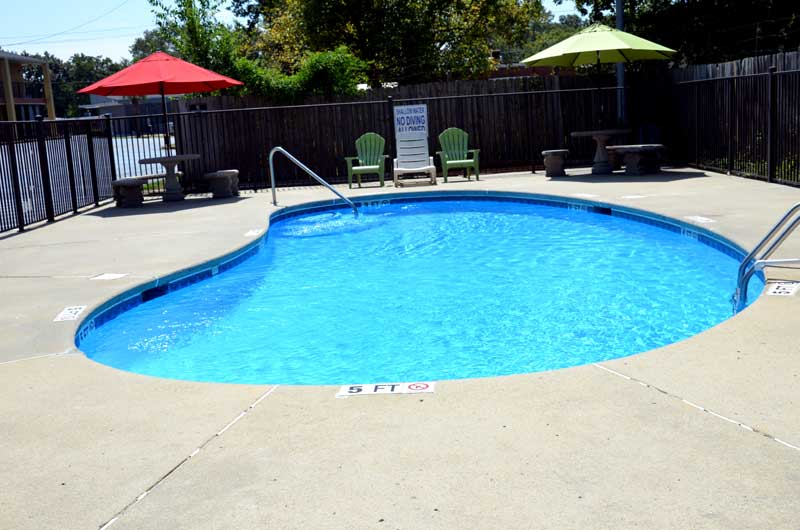 Seasonal Outdoor Pool Sitting Area Hotels Motels in Cheraw South Carolina