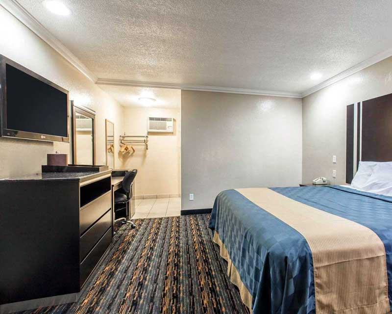 Clean Comfortable Rooms Flat Screen TV Cable Channels Hotels Motels in San Bernardino California