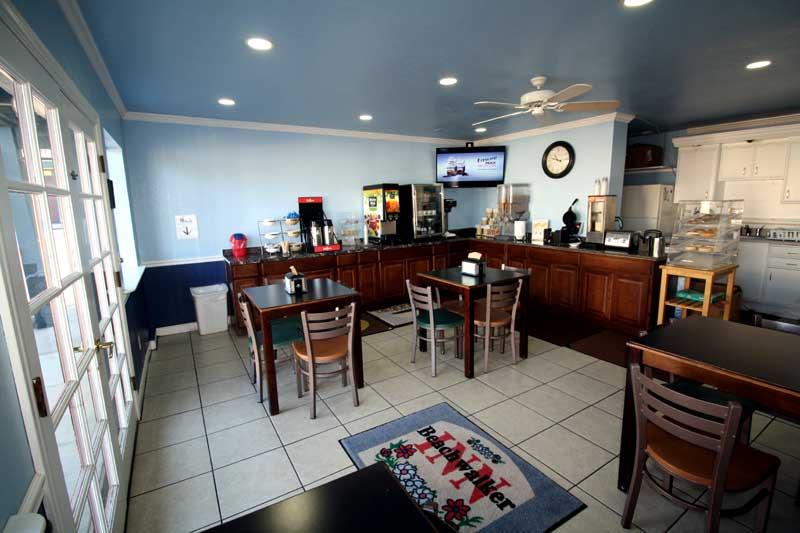 Free Continental Breakfast Pet Friendly Hotels Kitchens Cayucos California