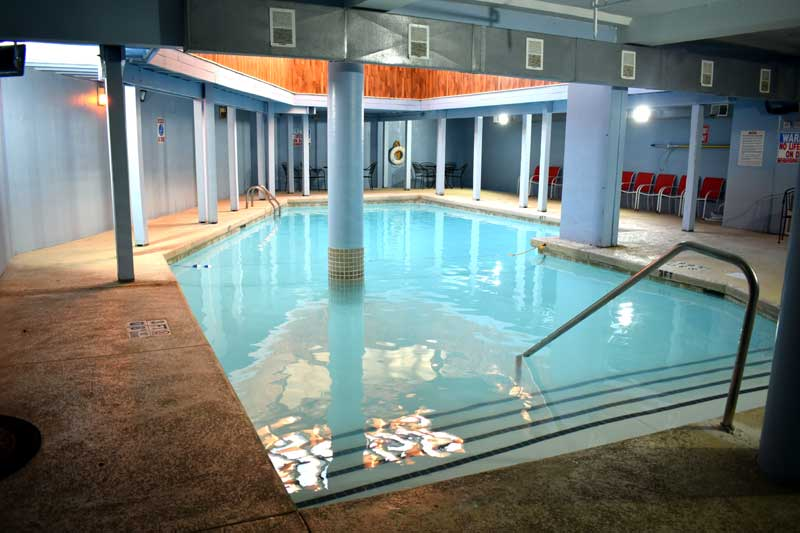 Indoor/Ourdoor Pool Hotels Motels In Kansas City Missouri Best Host Inn