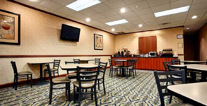 Free Hot Continental Breakfast Hotels Motels Amenities Newly Remodeled Free WiFi Free Continental Breakfast Best Western Gateway Savannah GA Reasonable Affordable Rates Amenities Hotels Motels Lodging Accomodations Great Amenities Savannah Georgia