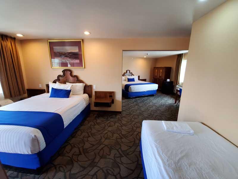 Romantic Stay Honeymoon Spa Jacuzzi Hot Tub Rooms Lodging North Hollywood Universal Studios NOHO