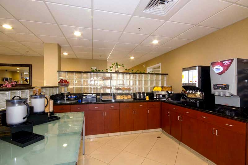 Free Continental Breakfast Pet Friendly Hotel in Victorville California Full Kitchen