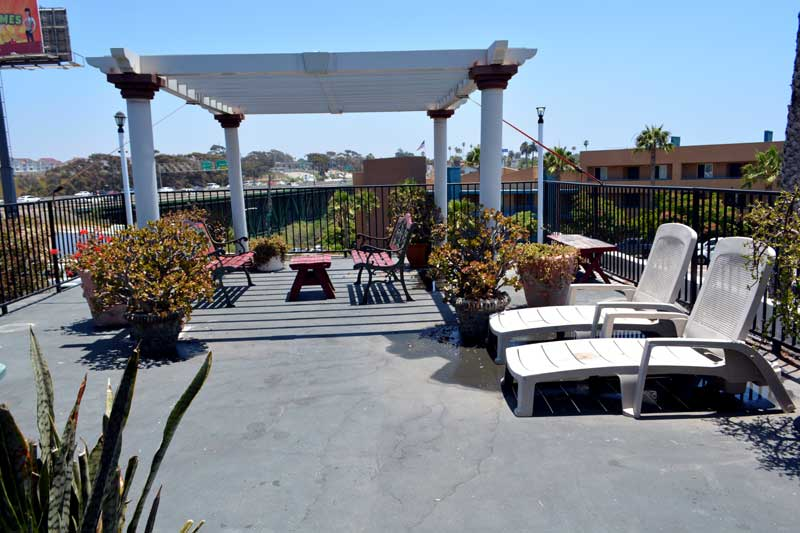 Patio Business Travelers Military Discount Camp Pendleton Harbor Inn Oceanside California