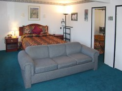 2 Queen Bed Hotels Motels in Morro Bay Califonia Holland Inn and Suites
