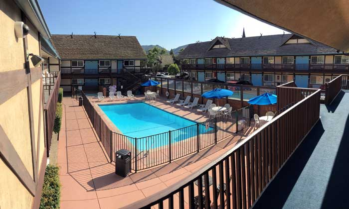 Pool View Budget Hotels Motels Downtown Solvang