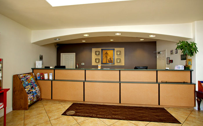 Free WiFi Free Parking Hotels Motels Amenities Newly Remodeled Free WiFi Free Continental Breakfast Lamplighter Inn Downtown Cal Poly San Luis Obispo CA Reasonable Affordable Rates Amenities Hotels Motels Lodging Accomodations Great Amenities San Luis Obi