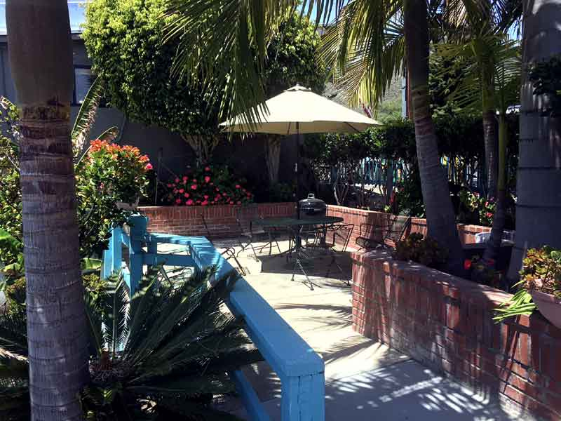 Barbecue Area Hotels Motels in Pismo Beach Cheap Lodging The Palomar Inn