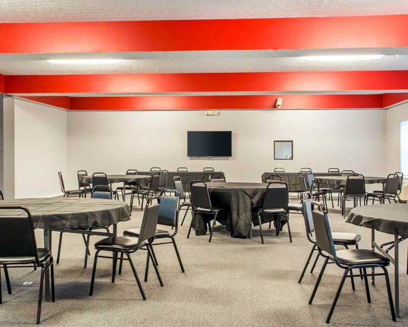 Meeting Room Hotels Motels Amenities Newly Remodeled Free WiFi Free Continental Breakfast Quality Inn and Suites South Columbus Obetz OH * Reasonable Affordable Rates Amenities Hotels Motels Lodging Accomodations Great Amenities Obetz Ohio