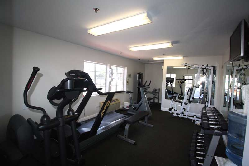 Fitness Room Ramada Oceanside