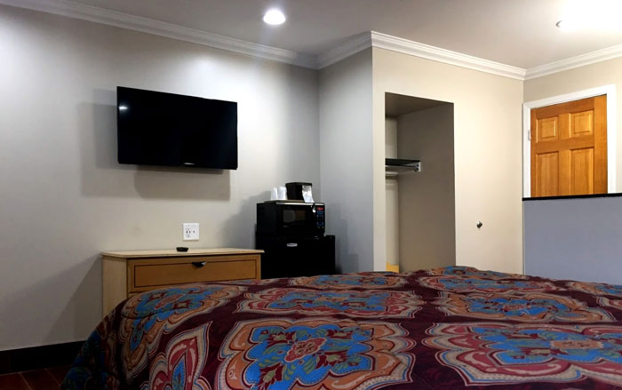 Single Queen Sacramento Budget Cheap Hotels Motels