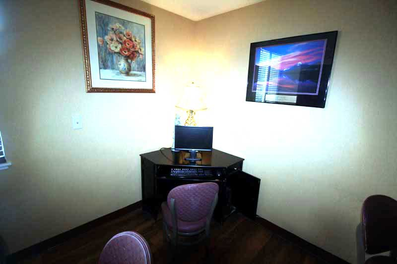Business Center Hotels Motels Amenities Newly Remodeled Free WiFi Free Continental Breakfast Roseville Inn and Suites Downtown St. Paul Roseville MN * Reasonable Affordable Rates Amenities Hotels Motels Lodging Accomodations Great Amenities Ros