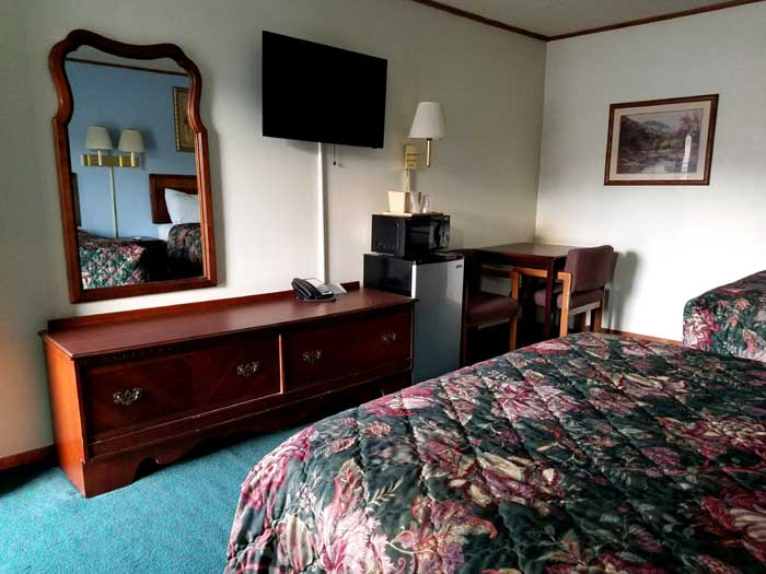 2 Double Beds Hotels Motels Lodging Accommodations Sapphire Inn Franklin NC