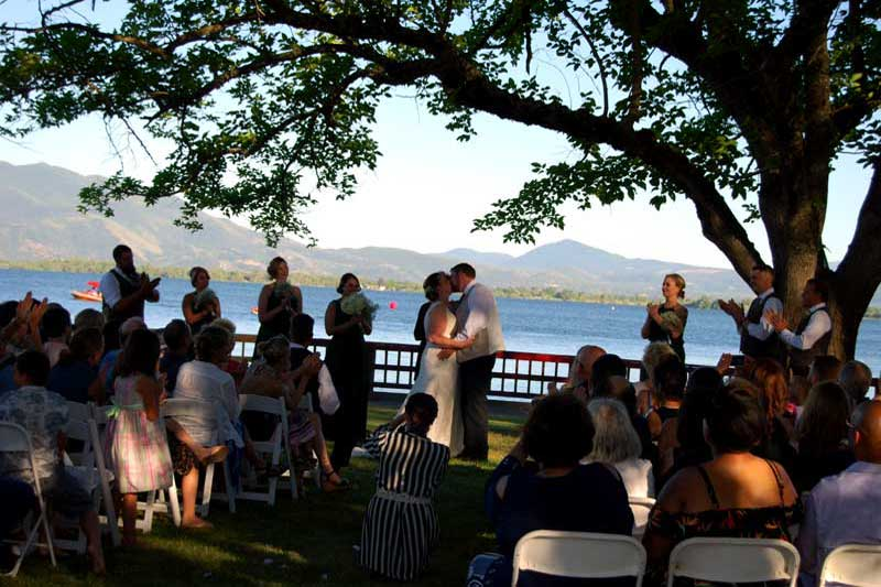 Weddings Receptions meetings Lakefront Skylark Shores Lakeport Ca.