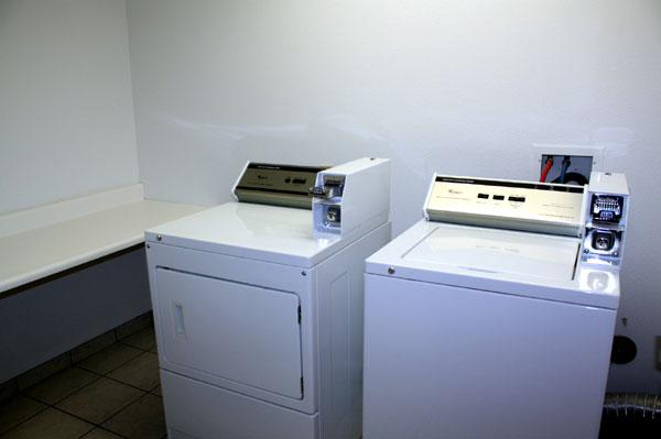 Guest Laundry Hotels Amenities Lodging Accommodations Cloverdale Ca