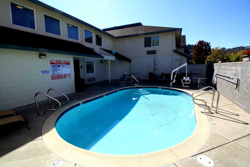 Fitness Center Pool Hotels Motels in Cloverdale California Super 8
