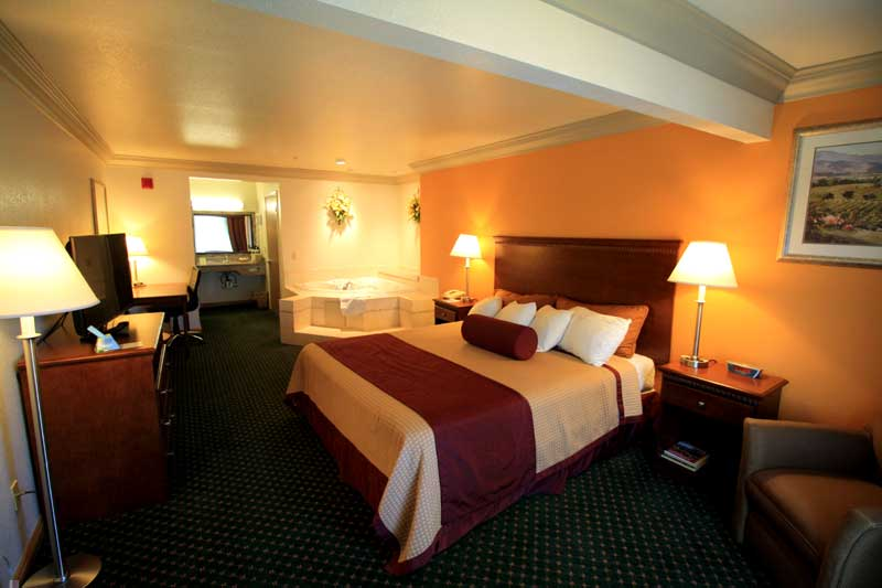 Discount Affordable Lodging Hotels Motels Accommodations Cheap Budget Lodging Former Best Western Wine Country Inn and Suites Citrus Festical Cloverdale California