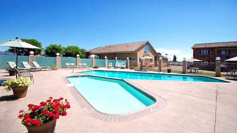 Heated Outdoor Pool Hotels Motels Amenities Newly Remodeled Free WiFi Free Continental Breakfast Antlers Inn Vernal UT Reasonable Affordable Rates Amenities Hotels Motels Lodging Accomodations Great Amenities Vernal Utah