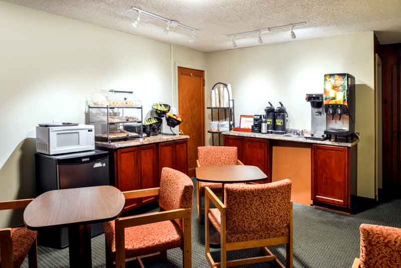 Free Breakfast Hotels Motels Amenities Newly Remodeled Free WiFi Free Continental Breakfast Courtesy Inn Downtown Eugene OR Reasonable Affordable Rates Amenities Hotels Motels Lodging Accomodations Great Amenities Eugene Oregon