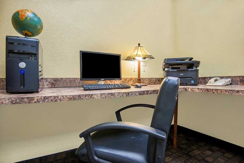 Business Center Hotels Motels Amenities Newly Remodeled Free WiFi Free Continental Breakfast Holiday Inn Express & Suites El Dorado KS Reasonable Affordable Rates Amenities Hotels Motels Lodging Accomodations Great Amenities El Dorado Kansas