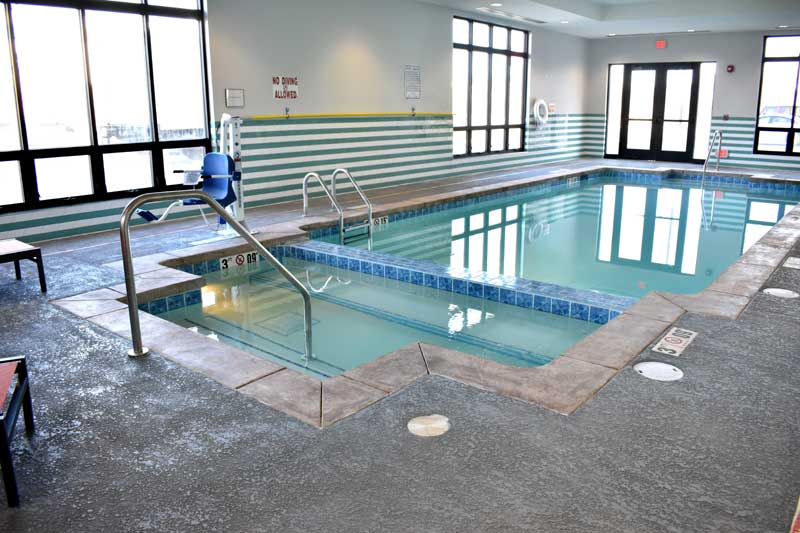 Pool Hotels Motels Amenities Newly Remodeled Free WiFi Free Continental Breakfast Holiday Inn Worlds of Fun Northeast Kansas City MO Reasonable Affordable Rates Amenities Hotels Motels Lodging Accomodations Great Amenities Kansas City Missouri