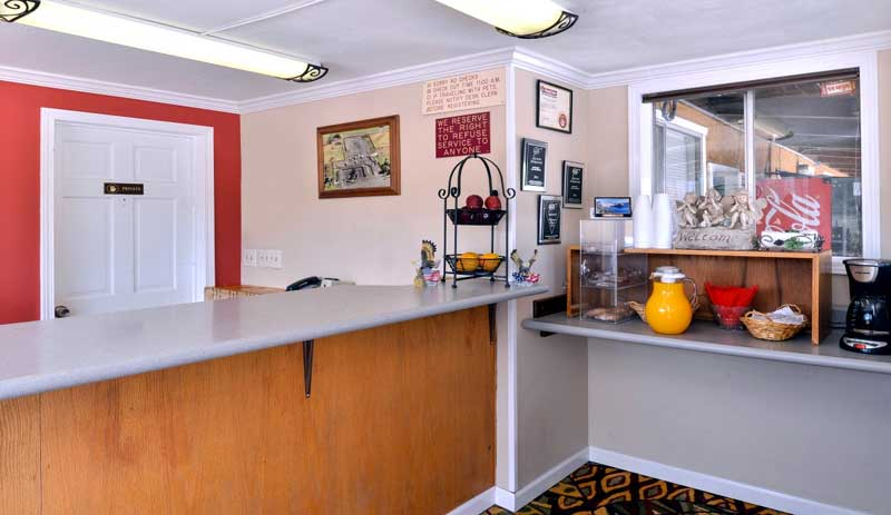 Amenities Hotels Motels Amenities Newly Remodeled Free WiFi Free Continental Breakfast Oregon Motel 8 RV Park Klamath Falls OR Reasonable Affordable Rates Amenities Hotels Motels Lodging Accomodations Great Amenities Klamath Falls Oregon