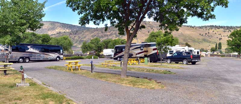 RV Hookup Budget Affordable Lodging Oregon Motel 8 Klamath Falls Oregon